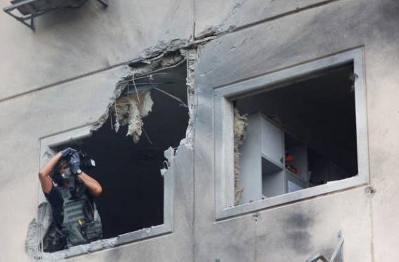 """Israel hung """"mua roc-ket"""" tu dai Gaza, 12 nguoi thuong vong-Hinh-2"""