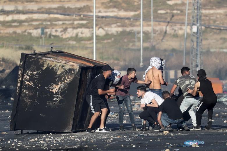 Bieu tinh du doi bung phat o Bo Tay giua xung dot Israel - Palestine-Hinh-2