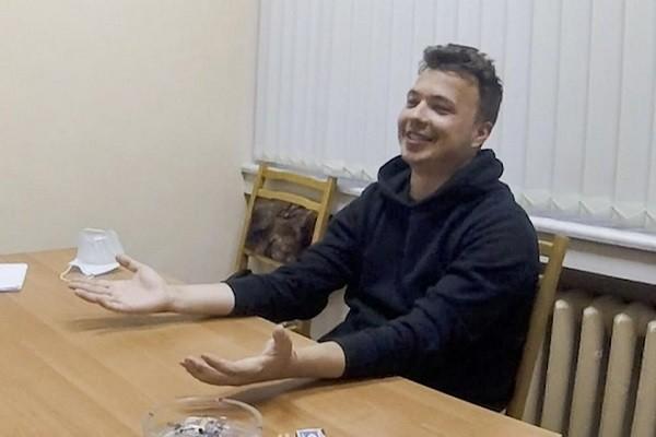 Nha bao doi lap Belarus xuat hien trong video moi