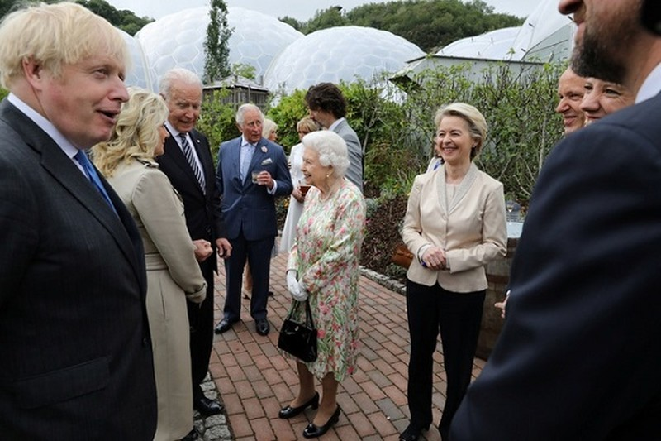 Nu hoang Elizabeth choc cuoi ong Biden va cac lanh dao G7