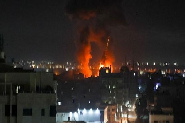 Israel lien tuc khong kich du doi Gaza, pha vo thoa thuan ngung ban