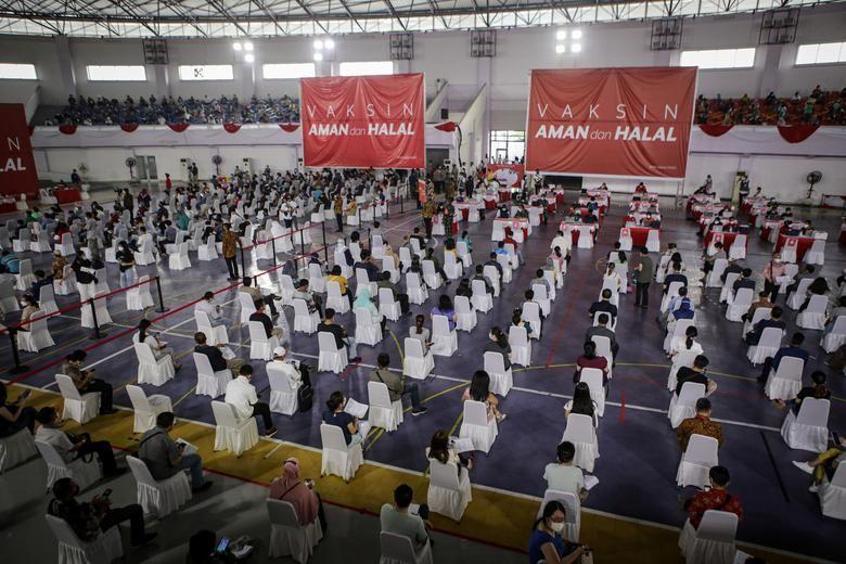 "Ca mac vuot moc 2 trieu, Indonesia quay cuong trong ""bao"" COVID-19-Hinh-8"