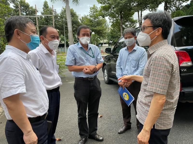 Pho thu tuong: Nguoi nhiem SARS-CoV-2 chua phai benh nhan-Hinh-2