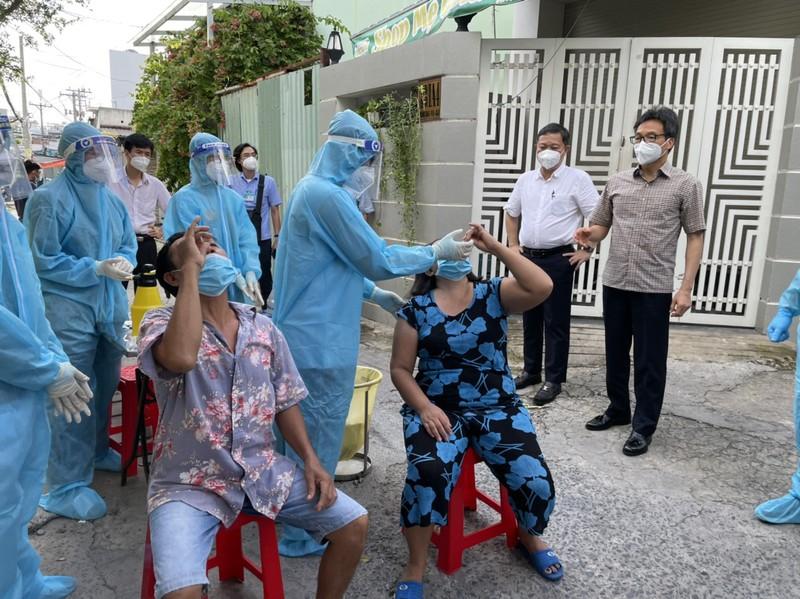Pho thu tuong: Nguoi nhiem SARS-CoV-2 chua phai benh nhan