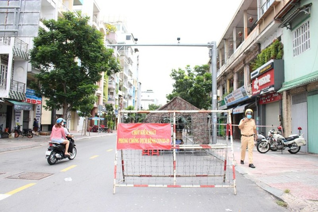 Nhieu cap do chong dich o TPHCM khong hieu qua, chuan bi cho tinh huong xau nhat-Hinh-3