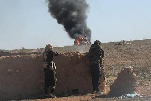 Khung bo IS tan cong du doi, tan sat binh si Quan doi Syria