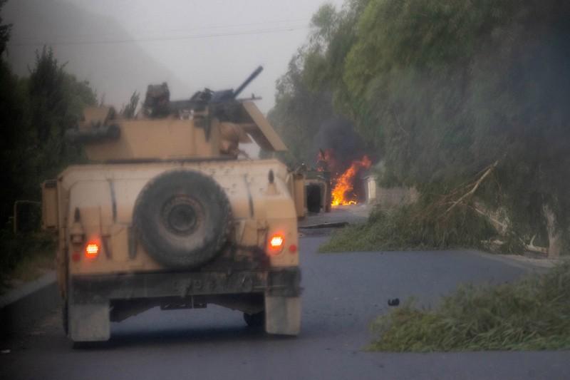 """Can canh nguoi dan Afghanistan """"chay loan"""" khi Taliban hoanh hanh-Hinh-9"""
