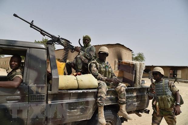 Niger: Bi phuc kich, hang chuc binh sy thuong vong