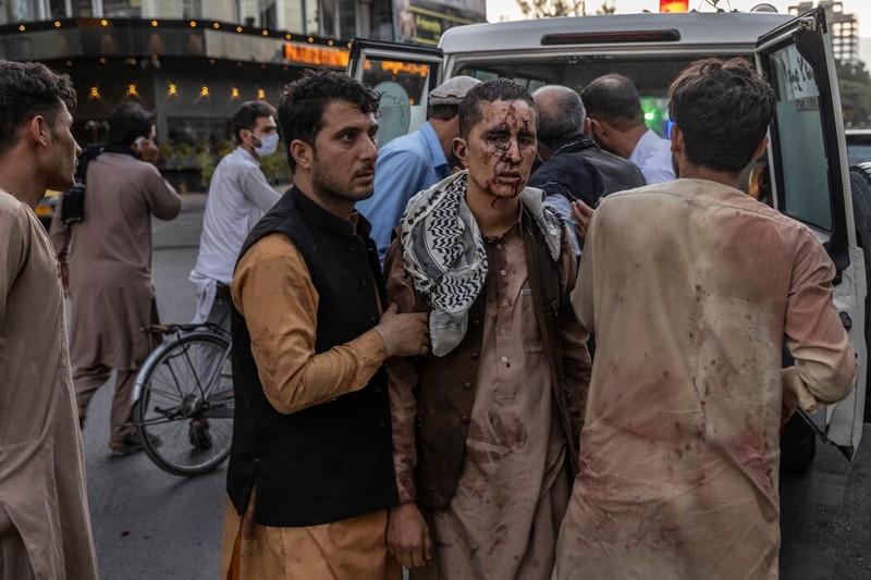 Ben trong Nha Trang khi ong Biden nhan tin vu danh bom o Kabul-Hinh-2