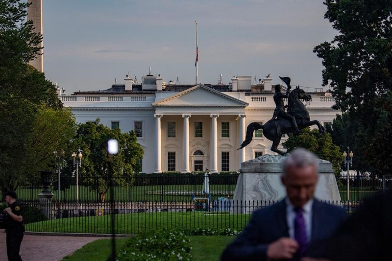 Ben trong Nha Trang khi ong Biden nhan tin vu danh bom o Kabul-Hinh-5