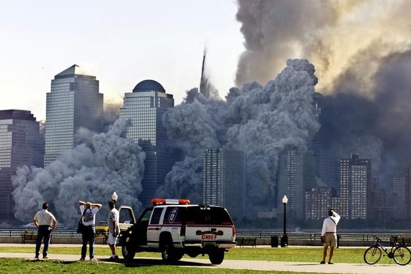 Thoat chet trong ngay 11/9/2001 vi bi sa thai-Hinh-4