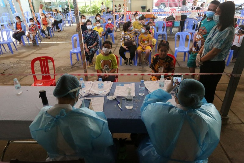Nuoc Dong Nam A dau tien tiem vaccine Covid-19 cho tre em 6-12 tuoi-Hinh-8