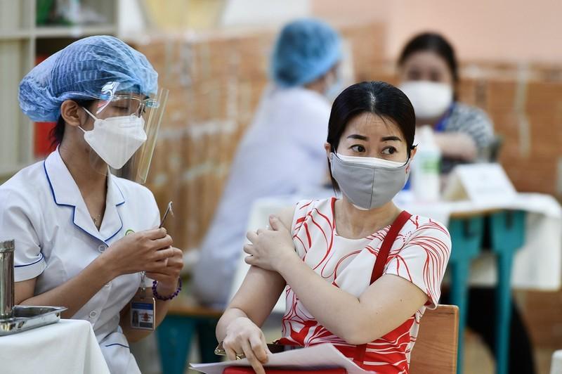 Vi sao hieu qua cua vaccine Covid-19 khong keo dai mai mai?
