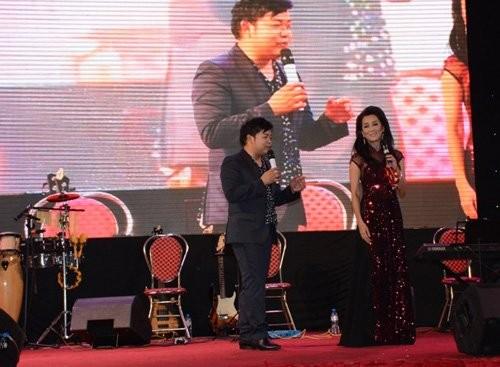 Chop khoanh khac tinh tu cua Phi Nhung va Che Linh-Hinh-5