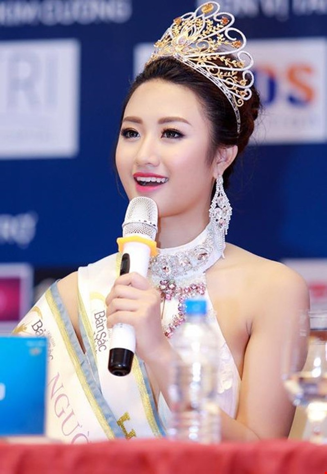 Chan dung tan Hoa hau Ban sac Viet qua loi ke cua me