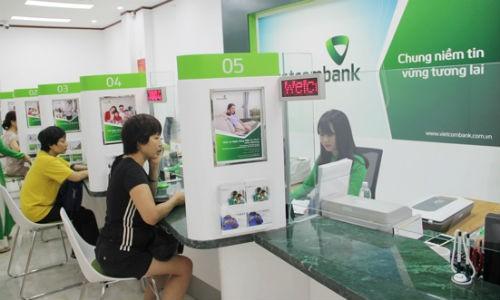 Khach hang Vietcombank mat nua ty la hoi vien cua Vietnam Airlines