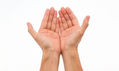 Co 8 dac diem ban tay sau at se lam dau nha giau