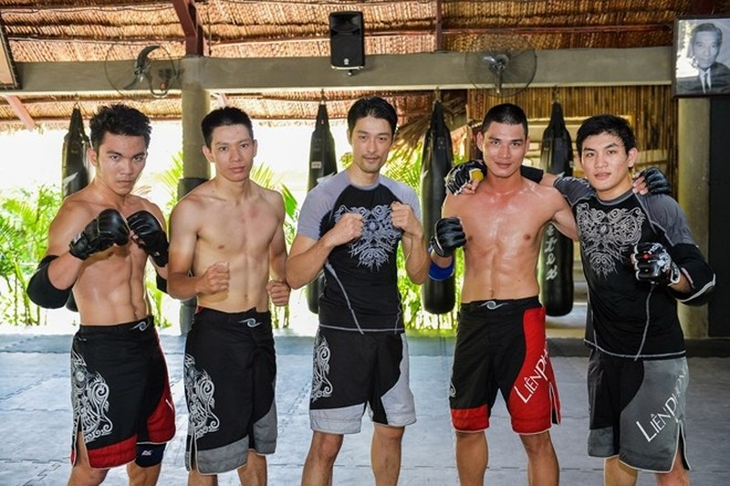 Ly Hung, Johnny Tri Nguyen... sao vo thuat ngay ay - bay gio-Hinh-4