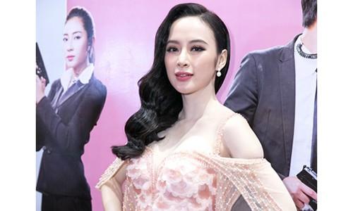 """Angela Phuong Trinh """"ganh"""" hau qua lon khi """"ham ho"""" phau thuat nang mui"""