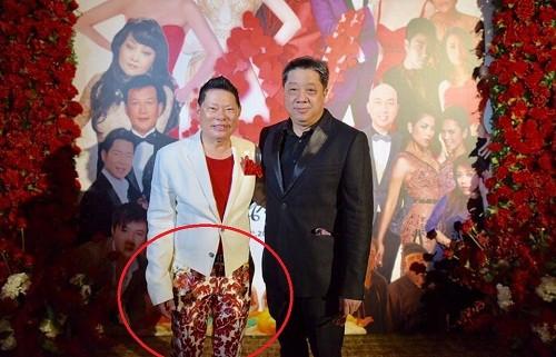 Bao nuoc ngoai che mot quan hoa loe loet cua Hoang Kieu-Hinh-2