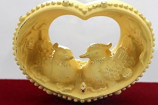 Tang qua Valentine theo phong thuy de tinh yeu nong chay