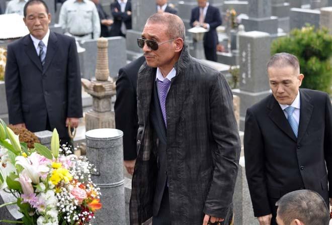 Yakuza an cap vat: Ngay tan cua de che toi pham khong con xa-Hinh-2