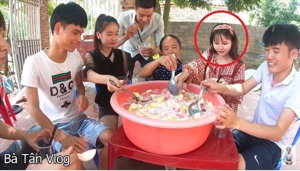 Gai xinh bi fans cua Ba Tan vlog 'nem da' vi… make up qua dam