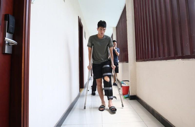 Bau Hien chi tien ty cho Dinh Trong dieu tri chan thuong