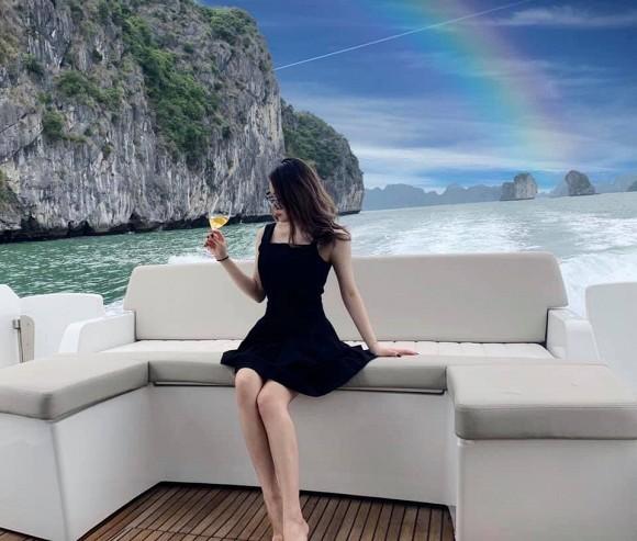 Chan dung em chong vua giau lai dep cua sieu mau Pham Ngoc Thach-Hinh-7