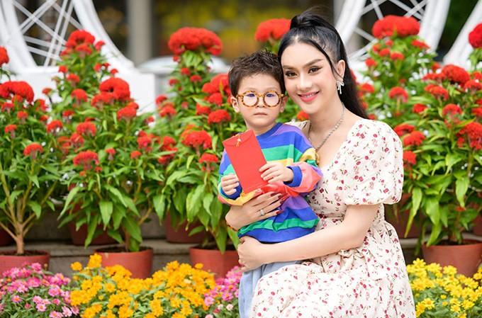 Ngoai hinh con trai hon 2 tuoi cua Lam Khanh Chi-Hinh-2