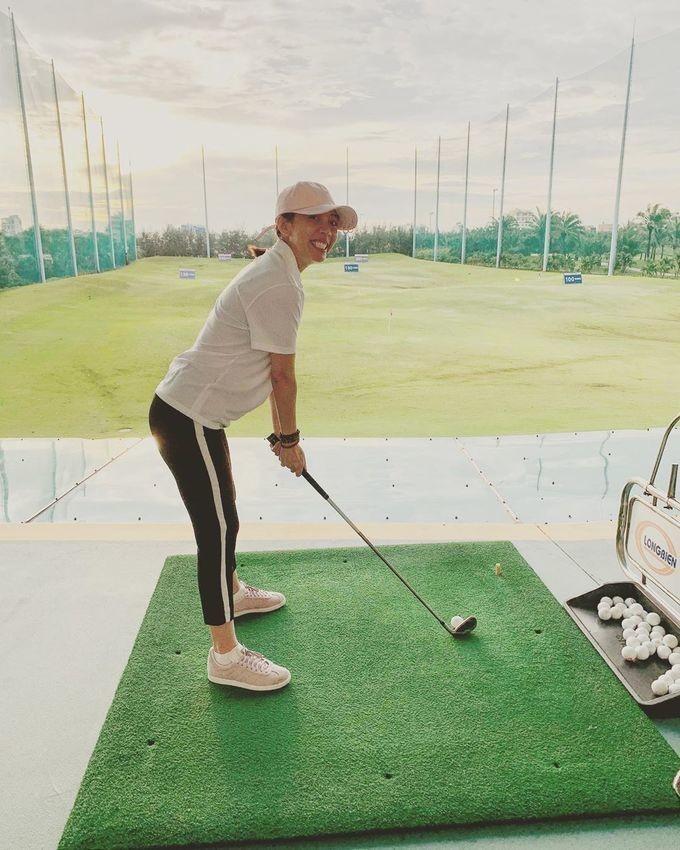 Thoi trang choi golf cua my nhan Viet co gi dac biet, khac la?-Hinh-9