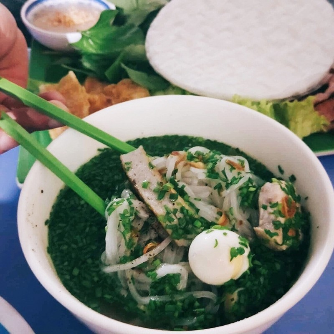 Dac san banh canh nuc tieng Phu Yen re ma ngon liu luoi-Hinh-4