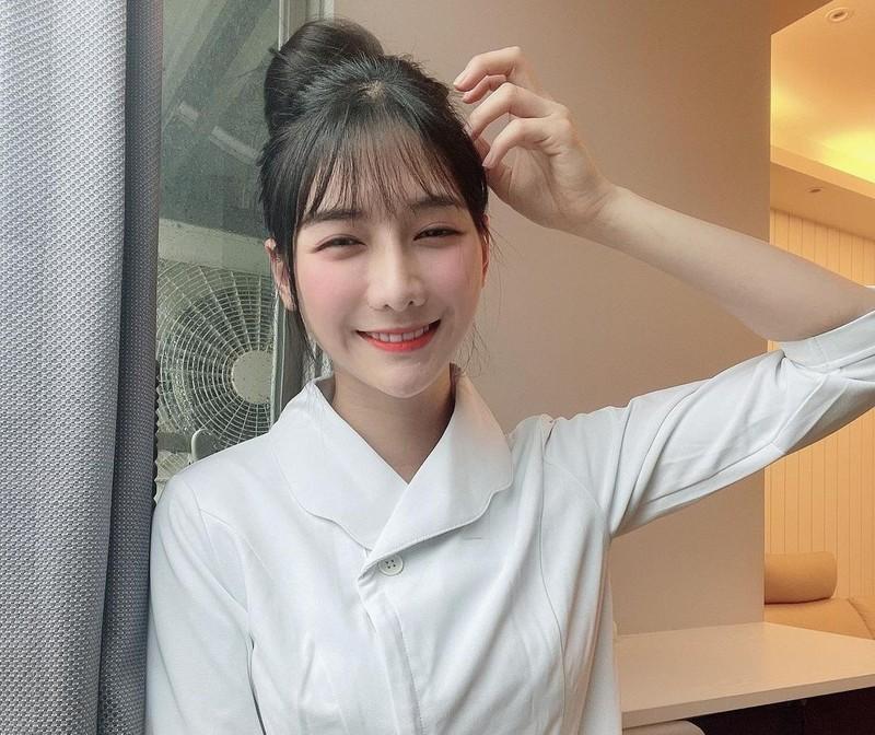 Hot girl ban ca o Dai Loan bi chi trich vi khong tham gia chong dich