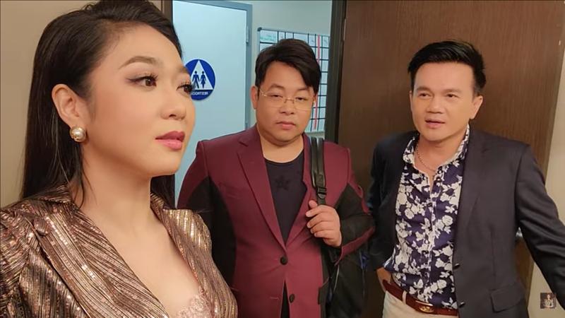 """Quang Le: """"Ba ngoai toi la cung nu cuoi cung cua trieu dinh, thuoc hoang toc""""-Hinh-4"""