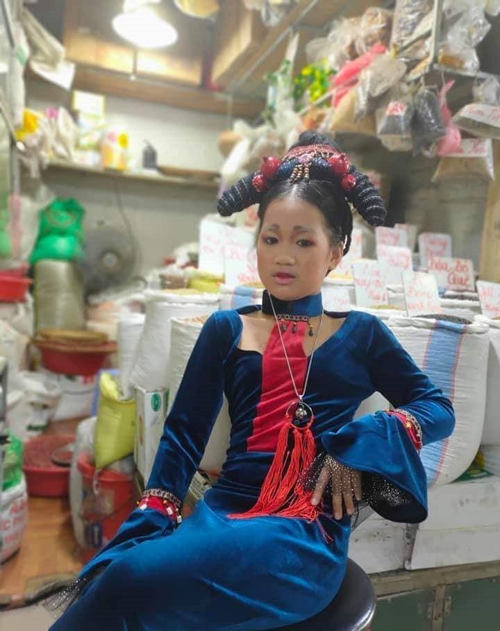 "Het hon ba chi di ban hang ma an mac nhu ""Dien Hi Cong Luoc""-Hinh-2"