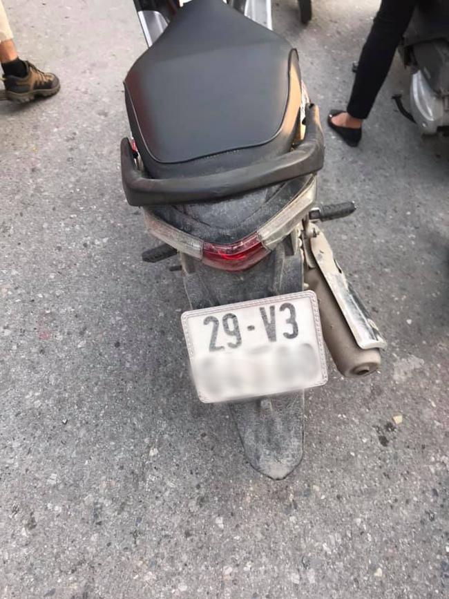 Khong duoc nhuong duong, tai xe Grab hanh xu gay phan no-Hinh-4