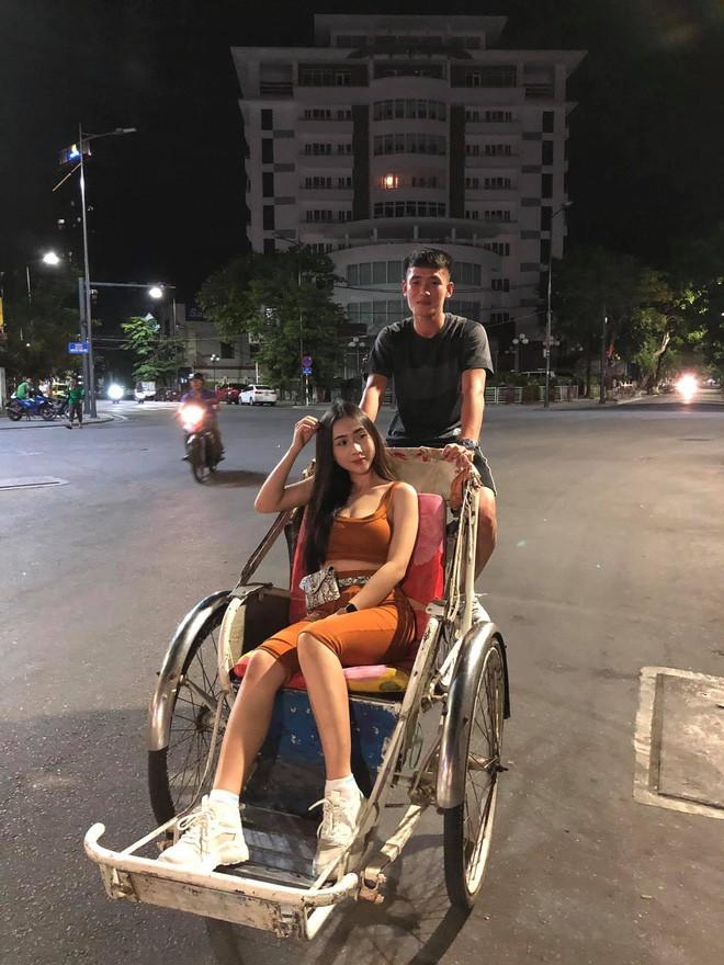 Ban gai cua visual U23 Viet Nam so huu body cuc nong bong