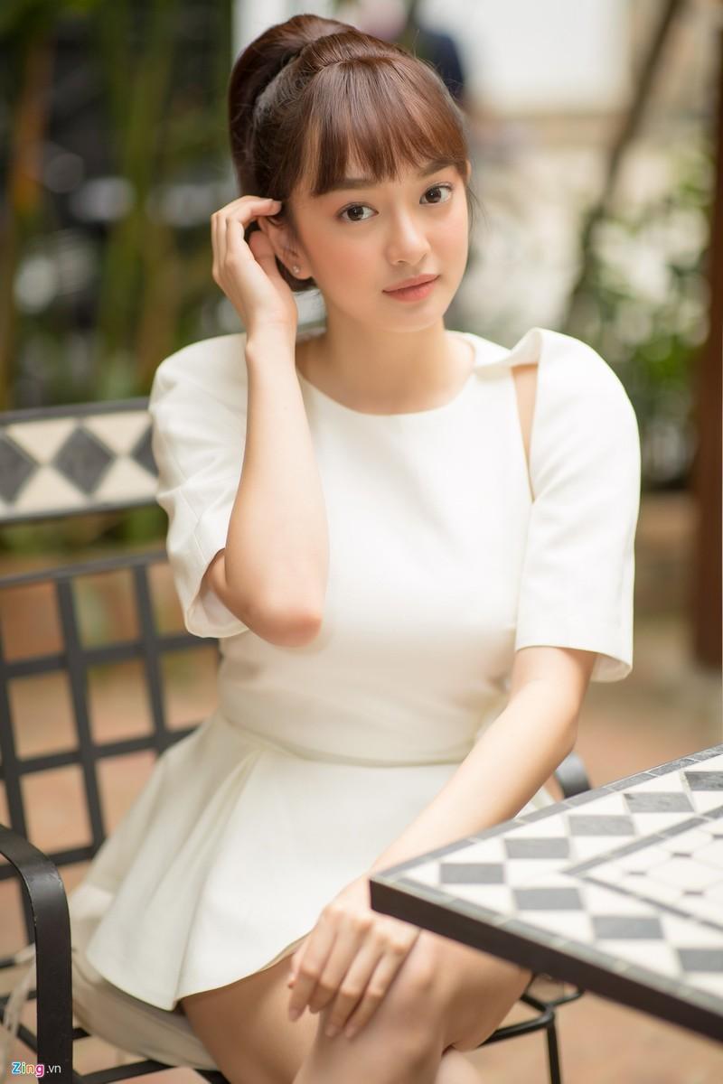 Kaity Nguyen: 'Moi nguoi thay sexy, toi thay binh thuong'-Hinh-4