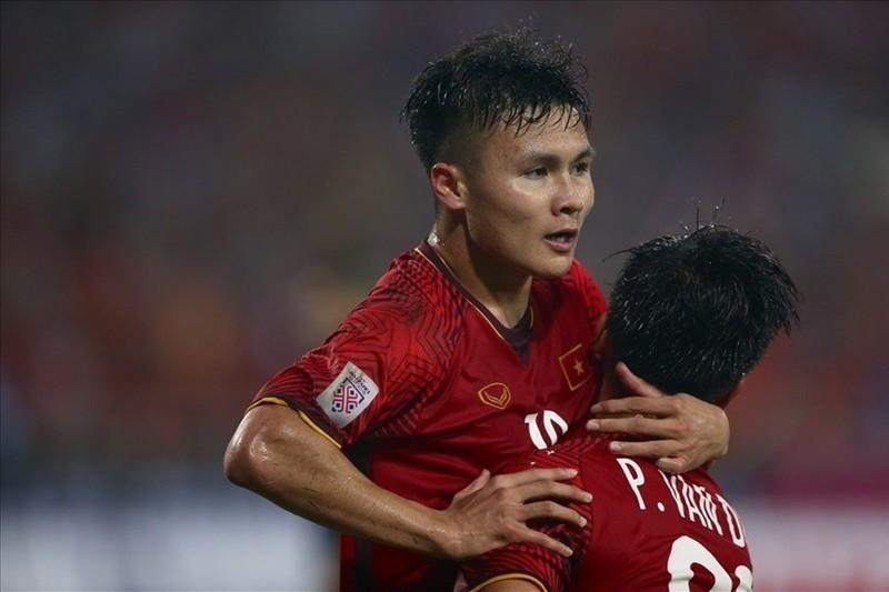 Bang xep hang FIFA thang 2.2020: Tuyen Viet Nam hon Thai Lan 19 bac