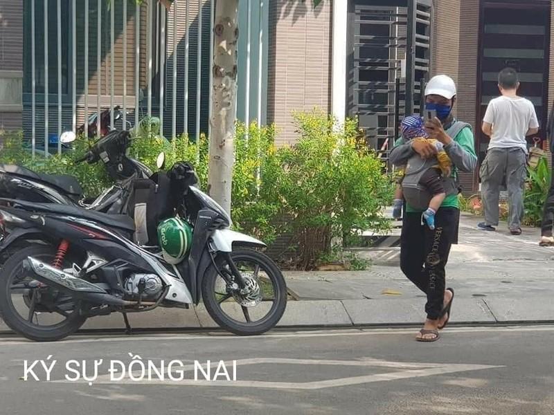 Hinh anh bo xe om cong nghe diu con di lam lay nuoc mat dan mang-Hinh-3