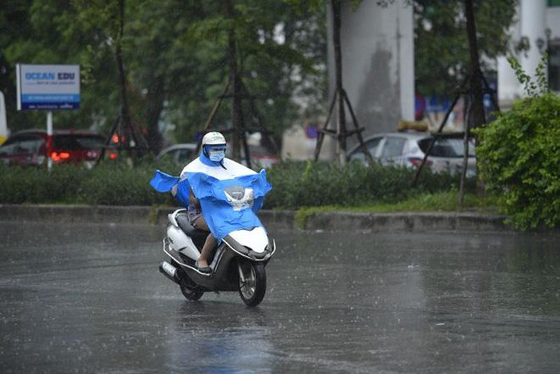 Thoi tiet ngay 26/5: Ha Noi mua dong dien rong