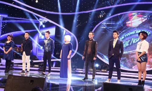 Ha Nhi roi nuoc mat vi duoc cuu tai Vietnam Idol 2015