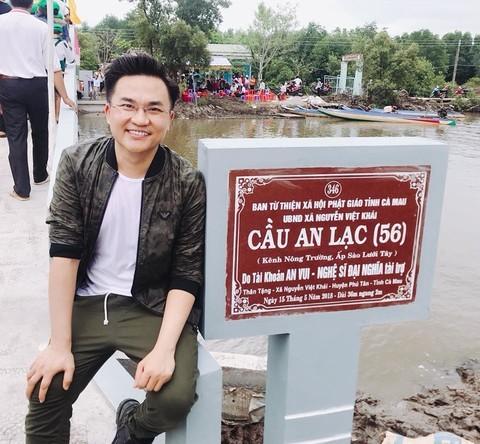 """Sao Viet tu thien bi """"nem da"""": Can nhat tam long, sao phai khat khe!-Hinh-5"""