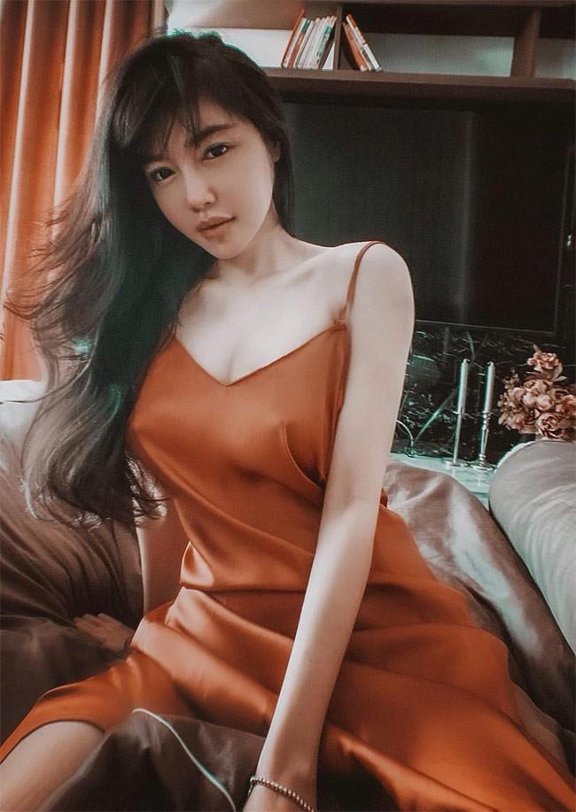 Elly Tran ngay cang goi cam, khoe than dat toi do sieu dang-Hinh-11