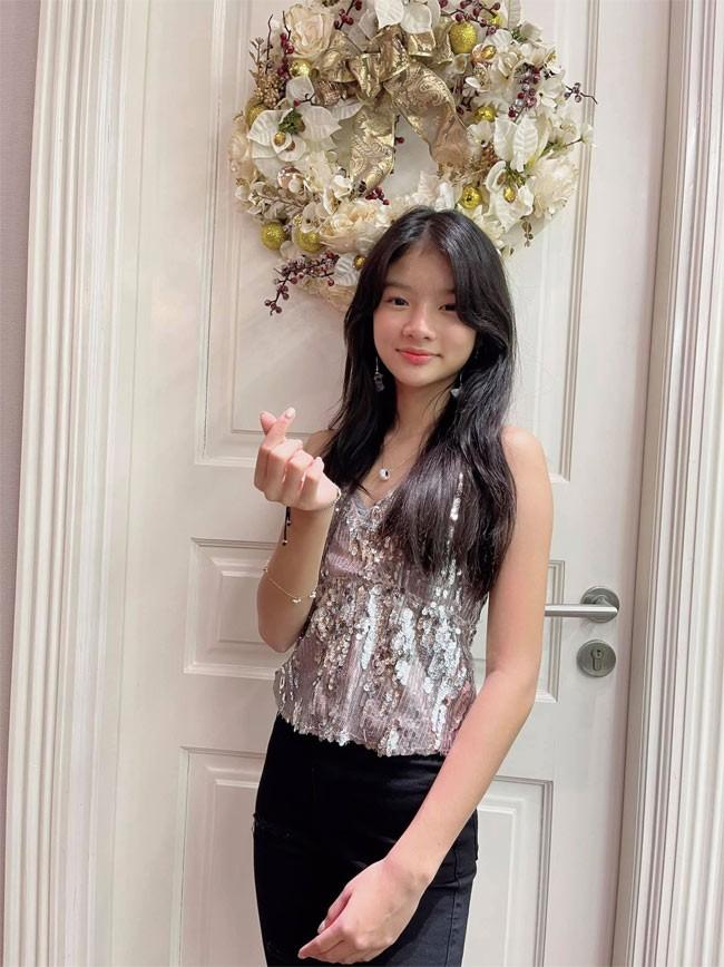 Con gai Truong Ngoc Anh - Tran Bao Son ra dang thieu nu o tuoi 13-Hinh-5