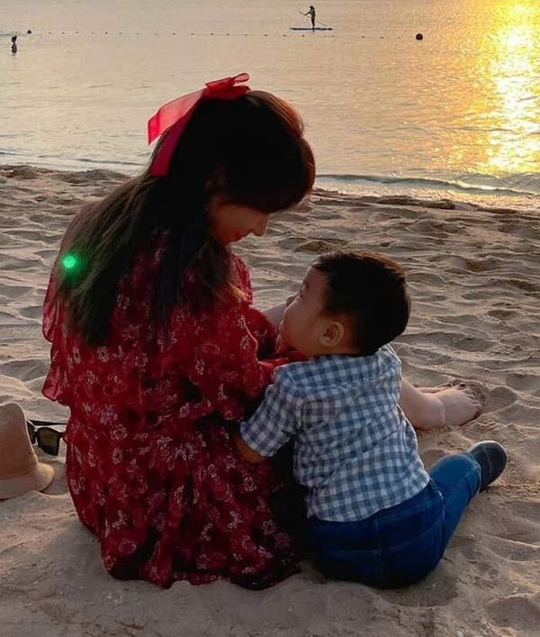 Hoa Minzy tuoi 26: Cong khai con trai, tai san hang tram ty-Hinh-2