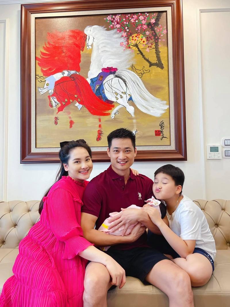 Bao Thanh ke hanh trinh mang bau, sinh con dung dich COVID-19