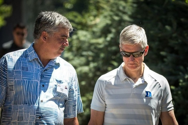Soc: CEO Tim Cook cua Apple co the bi nhiem Covid-19