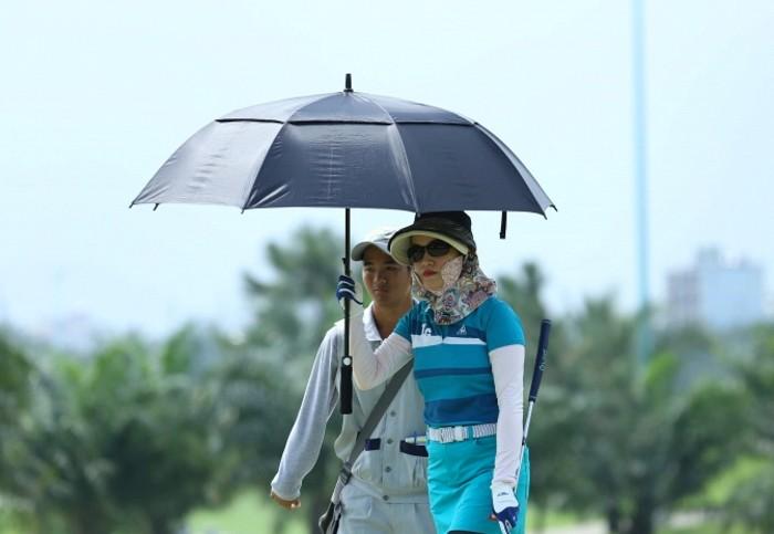 Kinh nghiem chong soc nhiet khi choi golf vao mua he-Hinh-3