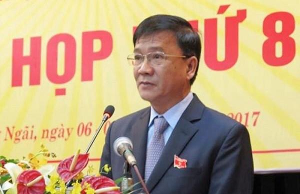 Chu tich UBND tinh Quang Ngai nghi huu truoc tuoi 3 thang